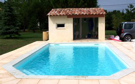 Tanzanite 8 piscine fond plat ariane piscines for Accessoire piscine 68