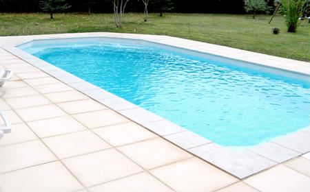 Tanzanite 9 piscine fond plat ariane piscines for Accessoire piscine 68